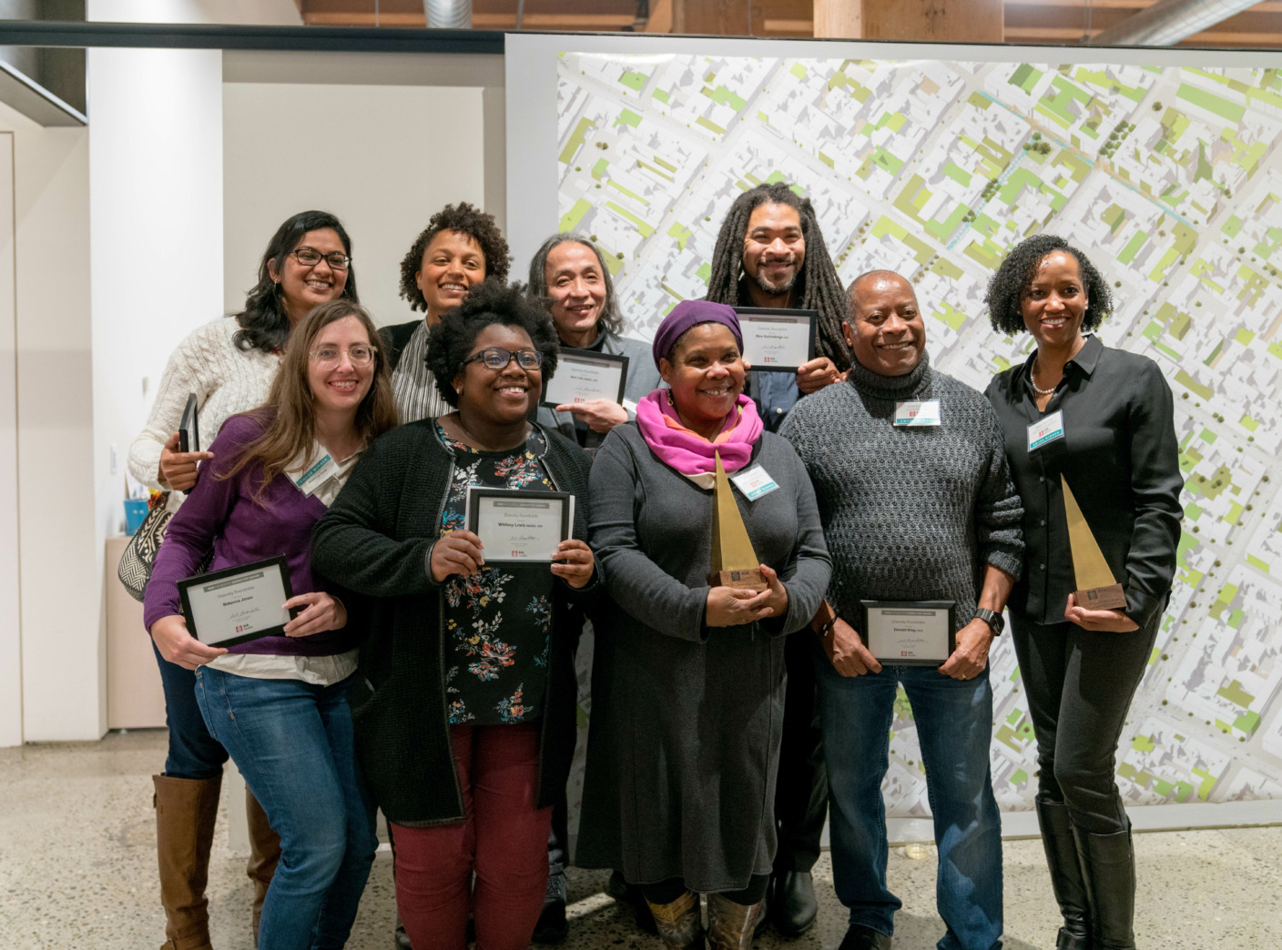 Diversity Roundtable receives the AIA Seattle Committee Award at the 2018 Parti